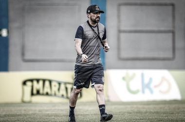 Luizinho Lopes em treino realizado no último sábado (Foto: Lucas Almeida / ADC)