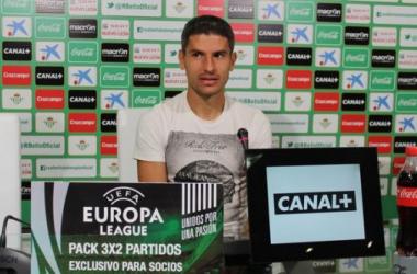 """Salva Sevilla: """"Queremos llegar lejos en la Europa League"""""""