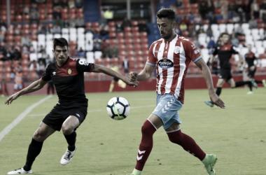 Jugador del Lugo en pleno partido. Imagen: La Liga 123
