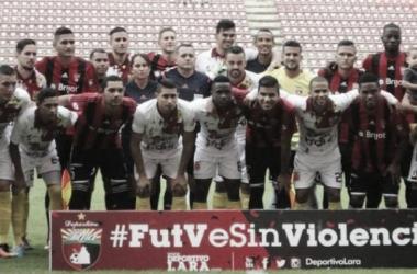 Fútbol sin violencia es la campaña que promueven los jugadores venezolanos / Foto: Iusport.