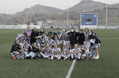 Las jugadoras de la Real celebran el triunfo (3-1). Foto: Iker Castaño