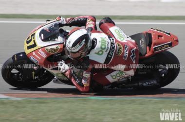 Edgar Pons nuevo lider de Moto2 tras vencer en Valencia