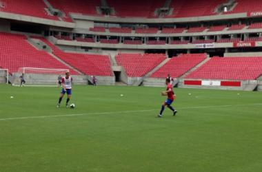 Jogadores fizeram treino nesta tarde na Arena Pernambuco (Foto: Divulgação/ Náutico)