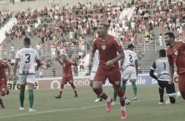 Atacante do CRB, João Carlos acredita que Galo vai manter intensidade no retorno das competições