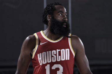 Harden Arrives To Rockets Training Camp