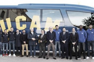 El UCAM CF y Autobuses LAT renuevan sus vínculos de patrocinio