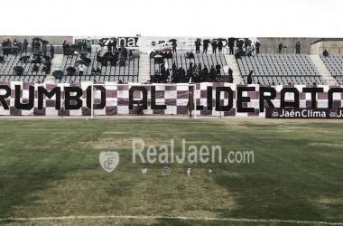 Tifo de un grupo de animación del Real Jaén (Real Jaén- Best Photo Soccer)