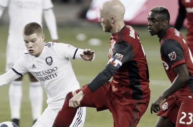 Michael Bradley and Chris Mueller Challenge for a ball in their match on May 18 || Photo: MLS Soccer