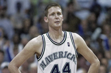 NBA Veteran Shawn Bradley, Paralyzed