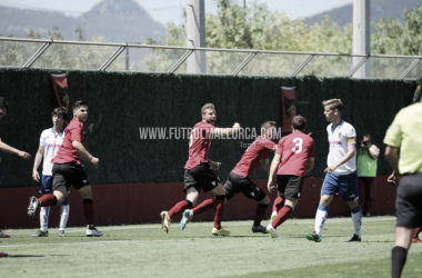 El Mallorca B celebra el primero gol del partido (Foto: Toni Ferrero | Fútbol Mallorca).