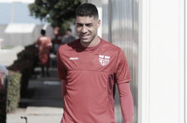 Contente após primeira vitória no ano, Xandão elogia planejamento do CRB para temporada