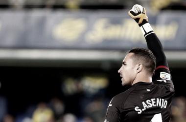 Sergio Asenjo levantando el puño celebrando algo el año pasado/ Fuente: LaLiga