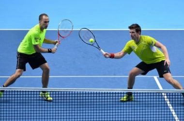 Em confronto brasileiro, Bruno Soares elimina André Sá no Australian Open