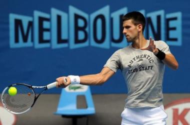 Djokovic e Serena são os destaques no primeiro dia do Australian Open