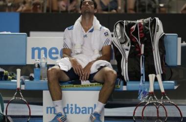 Bellucci sofre com o calor e é eliminado do Australian Open