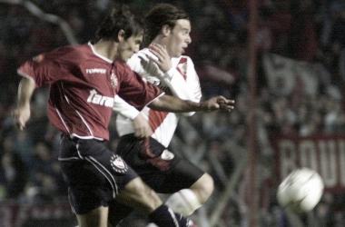 La última vez que se enfrentaron fue por la Sudamérica 2003 con victorias 4 a 0 y 4 a 1 para River. FOTO: NdB