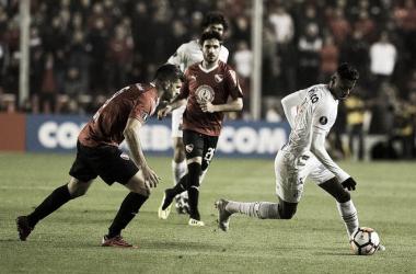Com casa cheia, Santos faz jogo decisivo contra Independiente pela Libertadores