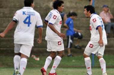 Independiente sorprende en Villa Elisa