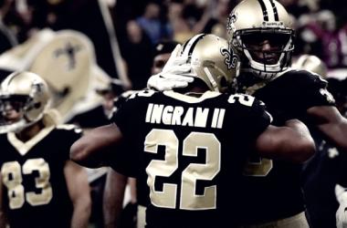 Ingram se abraza después de una gran jugada. Fuente: New Orleans Saints