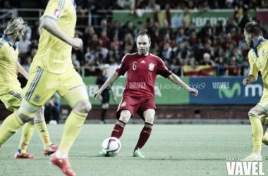 Iniesta en un encuentro con la Selección española | FOTO: VAVEL.com