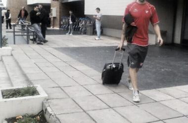 Pablo De Miranda, luego de la llegada del plantel albirrojo a Jujuy. (Foto: Twitter @InstitutoACC).