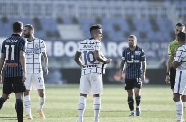 Internazionale bobeia nos minutos finais e fica no empate com Atalanta
