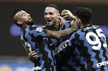 Em jogo cheio de viradas e gols no final, Inter estreia na Serie A com vitória sobre Fiorentina