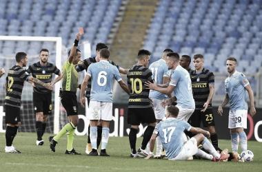 Inter sai na frente em jogo quente, mas sofre empate da Lazio e perde 100% na Serie A