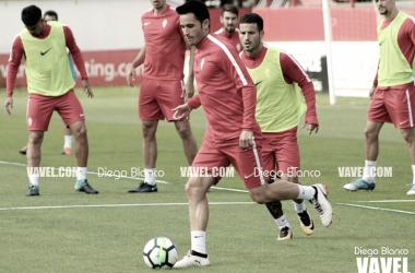 Isma López en mitad de un entrenamiento. | Imagen: Diego Blanco-VAVEL.