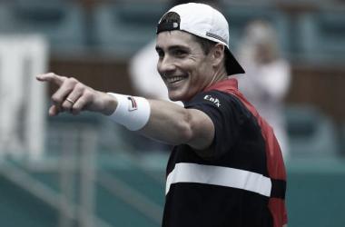 Isner sonríe tras lograr el pase a la final del Masters 1000 de Miami. Foto: gettyimages.es