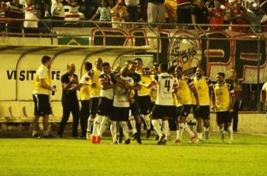 Santa Cruz vence Itabaiana fora de casa e conquista vantagem para jogo da volta