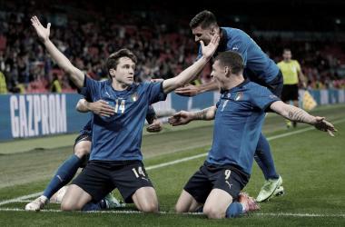 Italia reacciona a tiempo para mantener latente su sueño