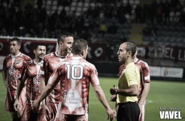 El CD Palencia se lamenta en un encuentro de esta temporada. | Foto: José Mendoza (VAVEL.com).
