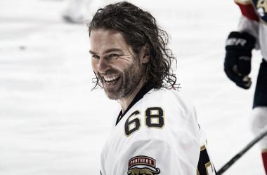 Jagr vuelve al hockey tras un año (NHL.com)