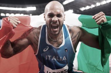 Lamont Jacobs se cuelga la medalla de oro en los 100 metros en Tokio