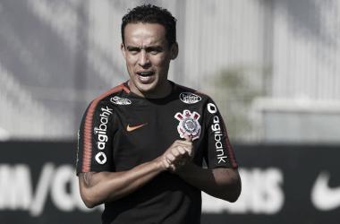 Participativo e decisivo, Jadson se envolve em 32% dos gols do Timão na temporada