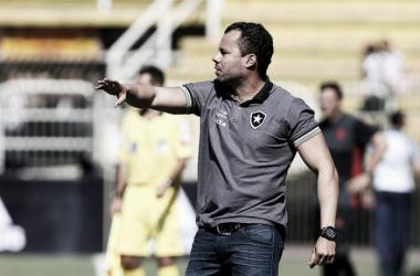 """Jair exalta Botafogo após empate com Flamengo: """"Nosso time foi valente"""""""