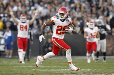 Can Jamaal Charles carry the load for the Kansas City Chiefs again this season? (Photo Credit: Cary Edmondson-USA TODAY Sports)