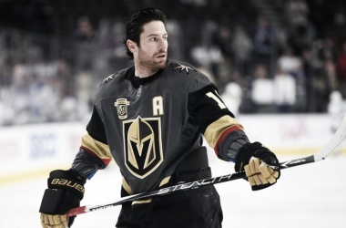 Arizona Coyotes should go after James Neal. As a potential 30-goal scorer, he would help the offense. (Photo: knightsonice.com)