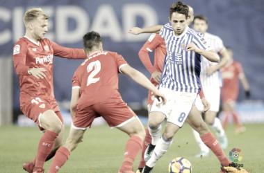 Januzaj regatea a tres jugadores del Sevilla Foto: La Liga