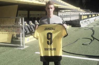 Adnan Januzaj joins Borussia Dortmund on loan from Manchester United