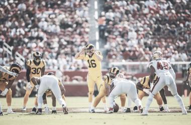Jared Goff con dos pases de touchdown y Todd Gurley con tres anotaciones lideraron la ofensiva imparable de los Rams | Foto: Rams.com