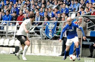 Javi Casares en un partido con el Oviedo. / Foto: Vavel.