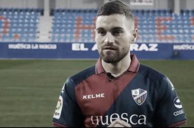 Javi Galán vistiendo la camiseta de su actual equipo | Fuente: Daniel Cayetano
