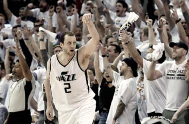 Ingles castigando desde la línea de tres puntos   Foto: Utah Jazz