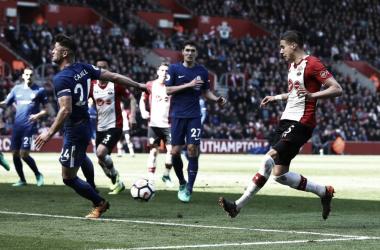 Jan Bednarek durante el partido ante Chelsea | Fotografía: Southampton