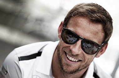 Jenson Button to remain with McLaren for 2016