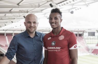 Jean-Philippe Gbamin assina por cinco temporadas com o Mainz 05