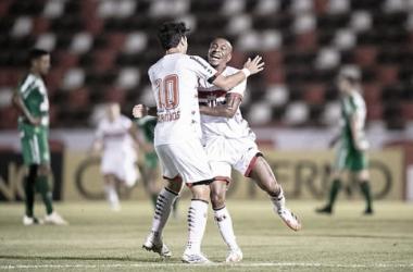 Irreconhecível, Chapecoense leva três de Jeferson e perde para o Botafogo-SP
