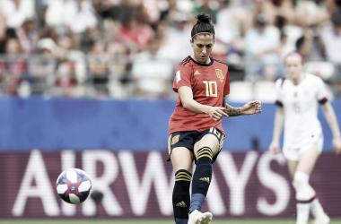 Jennifer Hermoso golpea el balón durante el partido ante Estados Unidos / Foto: FIFA